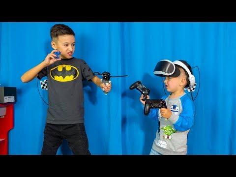Артур ПОСПОРИЛ! Виртуальная Реальность ПРОТИВ BEYBLADE ! Для Детей Kids Children