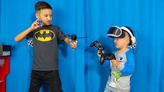 Артур ПОСПОРИЛ! Виртуальная Реальность ПРОТИВ BEYDBLADE ! Для Детей Kids Children