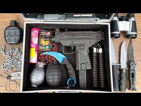 Weapon And Equipment Bag ! Uzi Gun Throwing Bead, Smoke Bomb, Blades, Binoculars And Karambit !!!