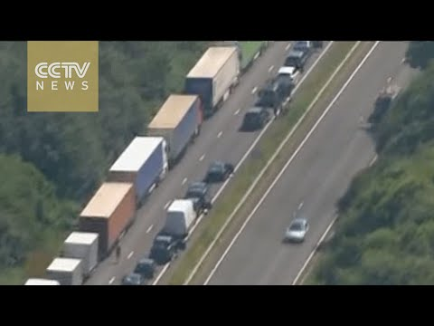 French border security measures cause huge traffic jams at UK port