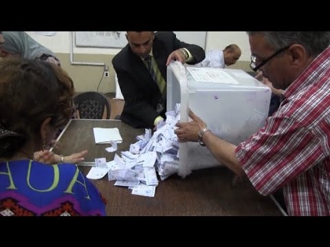28052014 0001 VID EGY End of voting   STRINGERS