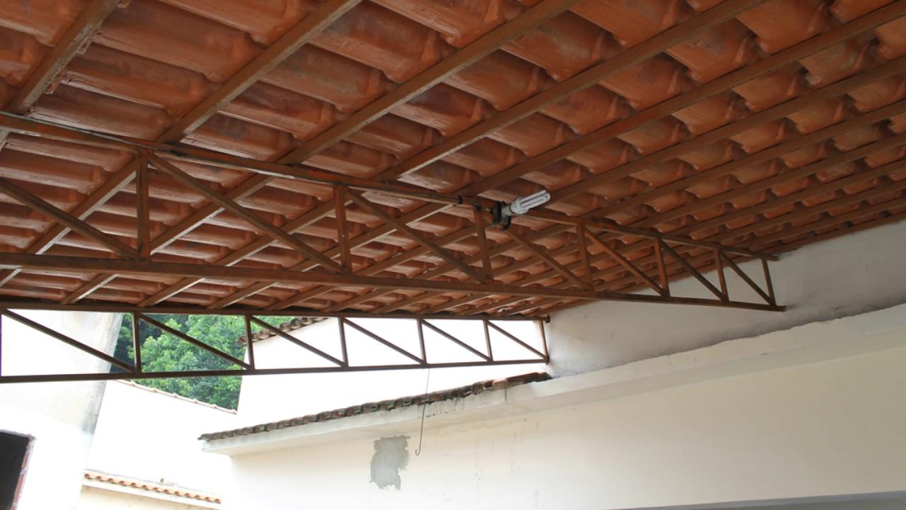 Telhado Colonial Com Estrutura De Metalon Fotos