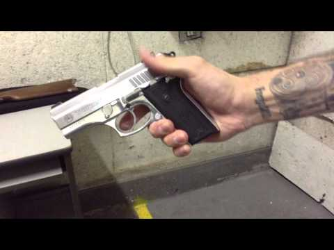Atirando com a Pistola Taurus PT-938 Inox - Cal.380 !!!
