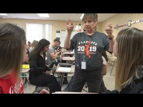 Suzanne Lee wins EXCEL award for Medina Valley ISD - YouTube