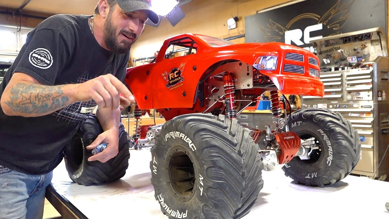 Man Speaks Of His Giant 5th Scale Mega Monster Truck 49cc Gas Powered Raminator Rc Adventures Youtube