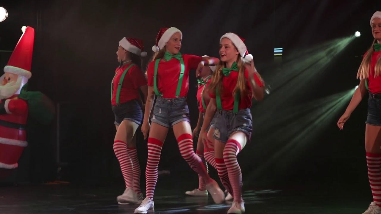 Christmas Hip Hop Dance - Santas Little Helpers! - YouTube