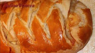 Пирог с курицей, грибами и сыром из домашнего  слоеного теста