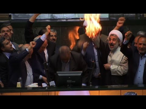 Raw: Iranian Lawmakers Burn Paper US Flag