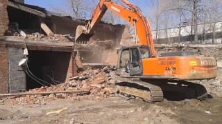 Снос здания экскаватором(Компания ЗАО