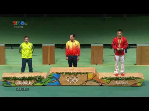 Hoàng Xuân Vinh cry when he take a gold medal in Olympic RIO 2016