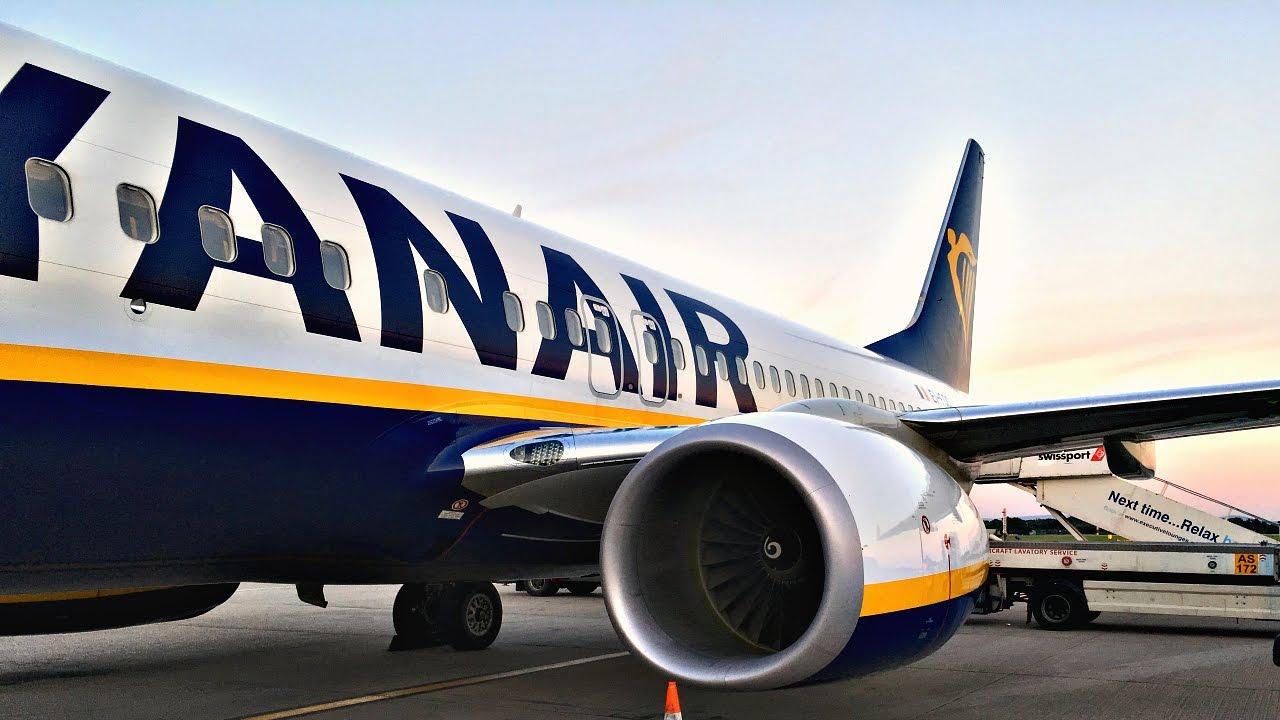 TRIP REPORT (10€ TICKET?!) RYANAIR Boeing 737800