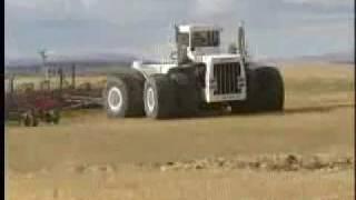 Największy traktor na świecie 2 - imprezoholik.com