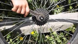Как быстро снять звёздочки с заднего колеса велосипеда.(Сегодня я покажу как БЫСТРО снять звёздочки с заднего колеса велосипеда ., 2015-06-30T12:13:50.000Z)