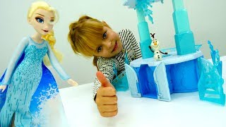 Видео для девочек: #Эльза выбирает новый замок! Игрушки из мультфильма Холодное сердце #Дисней