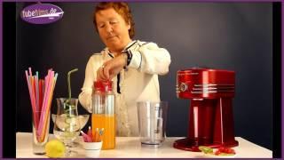 """Nonna Carmela und """"die Erfrischung"""" mit dem Slushmaker SNC30 von Nostalgia Electrics"""