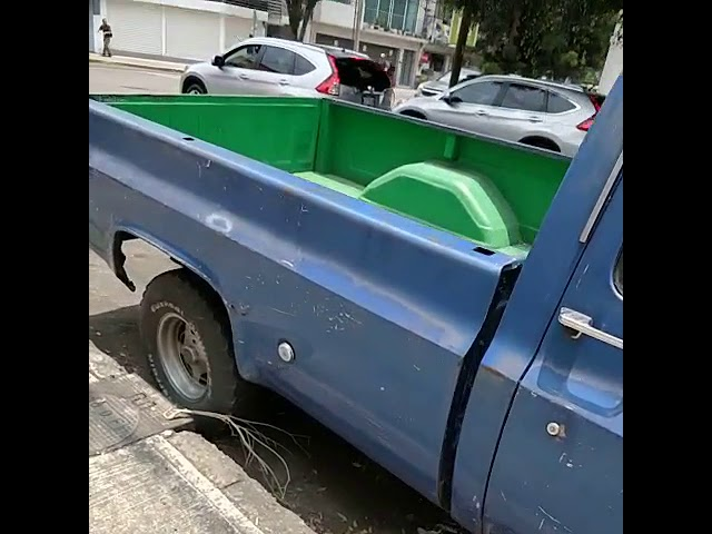 Camioneta abandonada Bj
