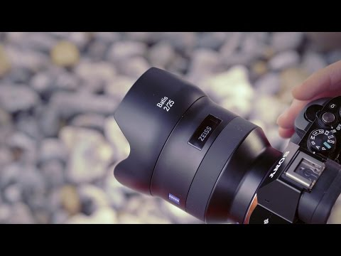 New Zeiss Sony lenses have built-in OLED displays