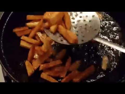 Одна порция домашнего картофеля фри (около гр.) содержит примерно.