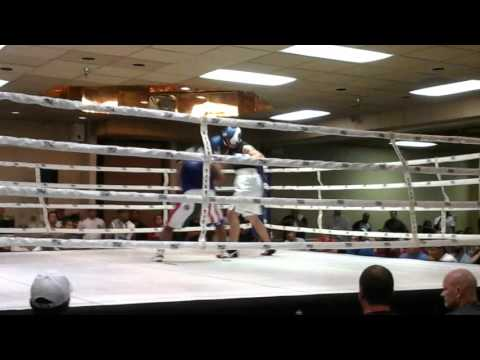 Lorenzo  Cardona   jr    vs   James   Dancing Bull