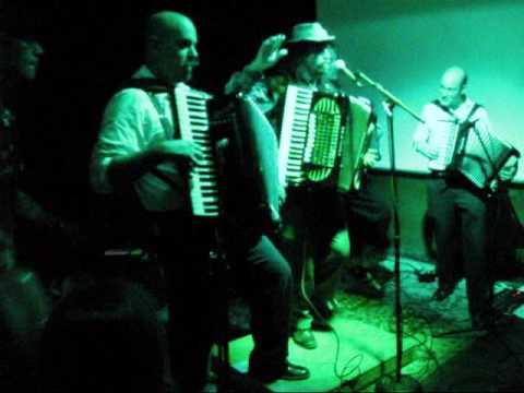 "monsters-of-accordion-finale---""thriller""--at-luigi's-fungarden,-sacramento-ca-08-31-09"
