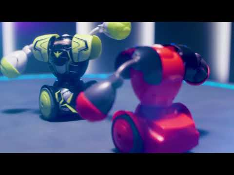 ROBO KOMBAT - Battling Robot with Power Fist!