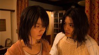 楽しいゼミの飲み会。はしゃぎすぎた大学生の香坂里緒(横山由依)は終...