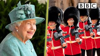 The Queen's Official Birthday 2020 👑💂🏿‍♂️🎂 - BBC