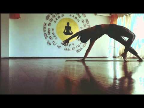 Flow Sequence in Ananda yoga Tbilisi