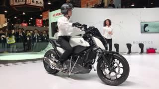 [CES 2017]ホンダ、自立するバイク「Honda Riding Assist」を世界初公開 #CES2017