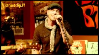 SUBSIGNAL - the size of light on earth - Exclusive acoustic performance for streetclip.tv