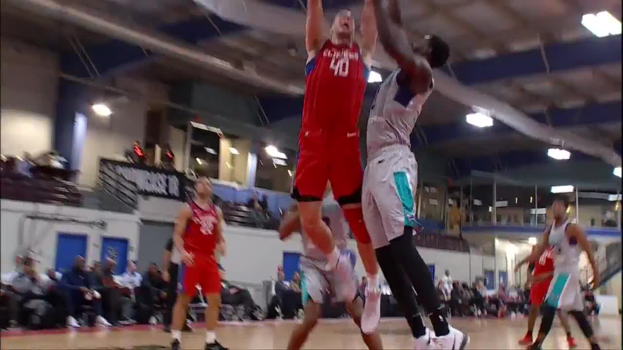 Marshall Plumlee slams it home in Day 1 of NBA G League Showcase