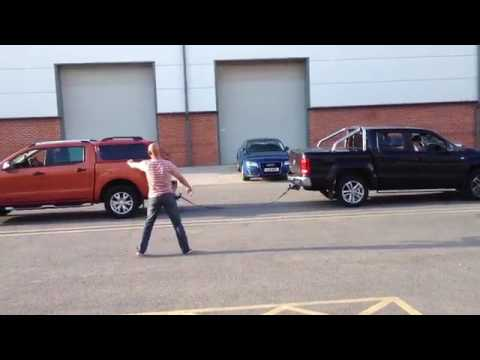 FORD RANGER vs AMAROK - TUG OF WAR