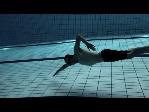 swimming freesyle underwater