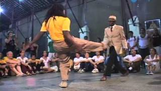 Capoeira video: Mestre Leopoldina e Célio Gomes thumbnail