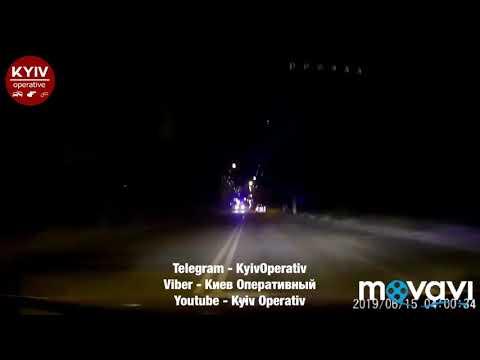 Перегони із п'яним водієм #Volkswagen закінчилися розбитим Prius для патрульних