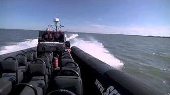 Seikkailulaakso RIB-vene