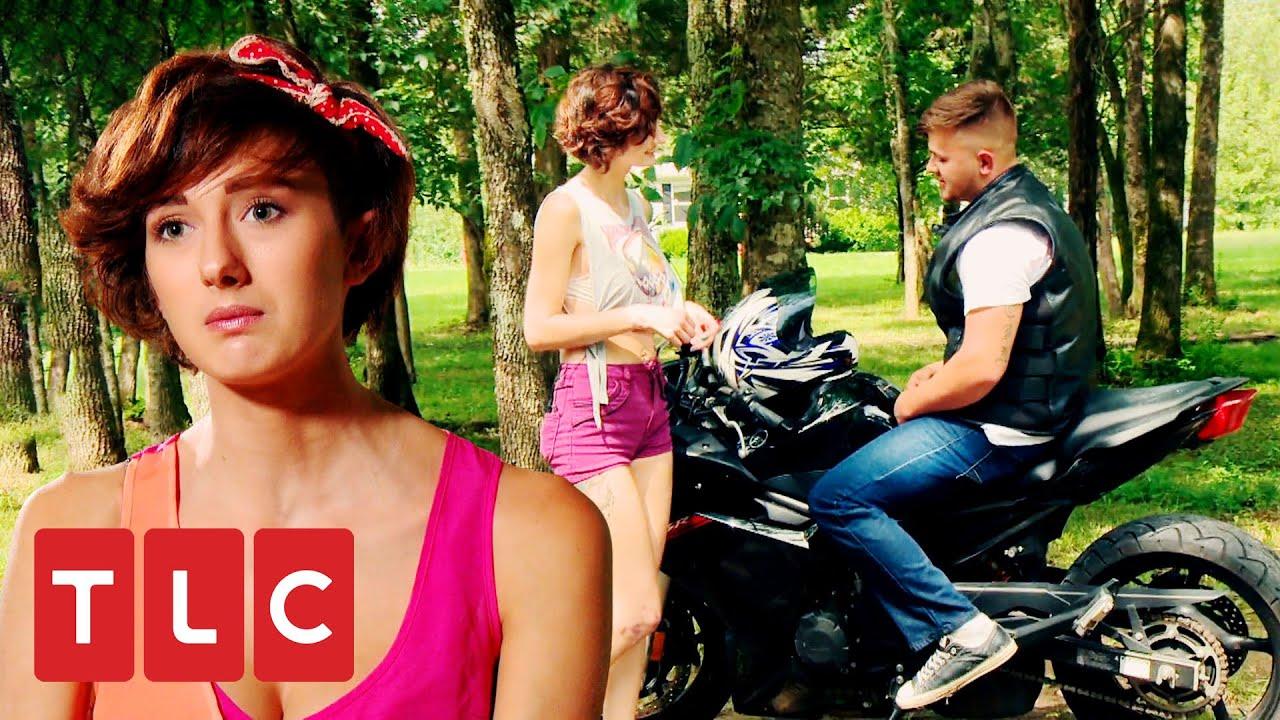 Gitana motociclista se compromete con un gorger | Mi Gran Boda Gitana | TLC Latinoamérica