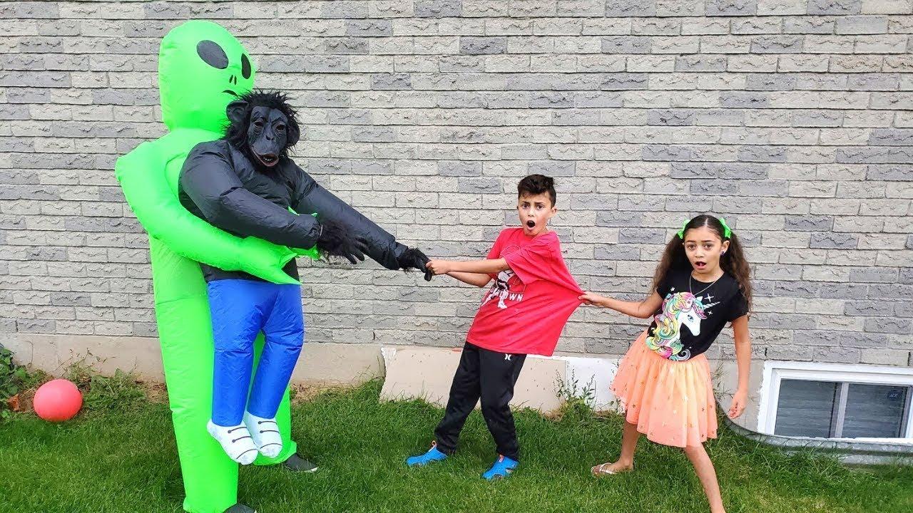 बच्चे सुपरहीरो बन जाते हैं और एक दोस्त की मदद करते हैं | Heidi & Zidane