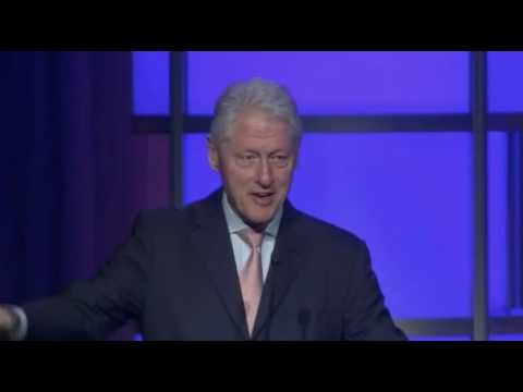 "Bill Clinton Praises UAE as ""Face of Social Justice for Poor People Around the World"""