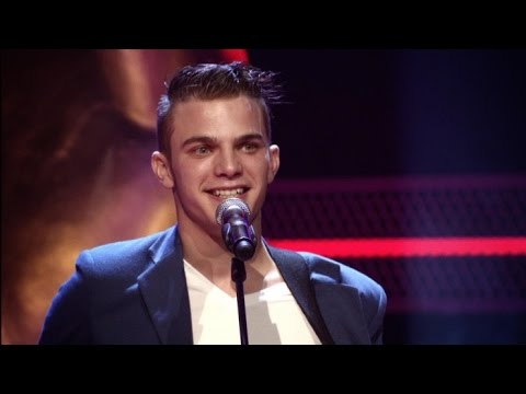 QUICKEST 4 CHAIR TURNS EVER AT THE VOICE - GLENN CLAES