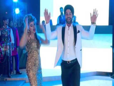 Dj Wale Babu Dance Performance