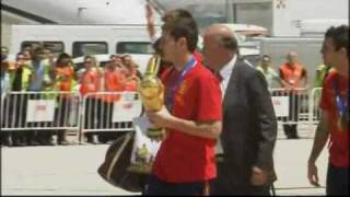 Spain team arrive in Madrid with World Cup‎ 2010