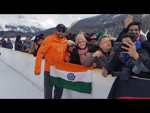 Shahid Afridi Taking Selfies With Indian fans in Switzerland
