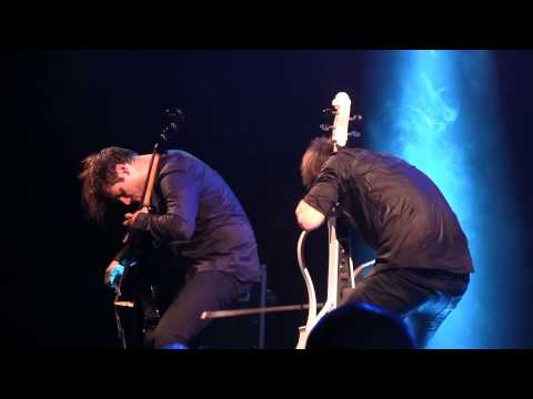 hd---back-in-black-(ac/dc)---2cellos---udine-2014