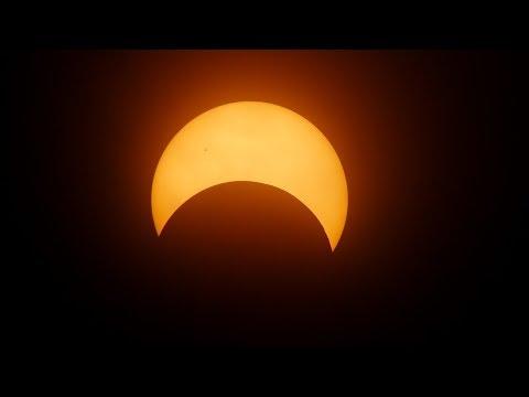 Sonnenfinsternis In Löwe - Herzensheilung 💖