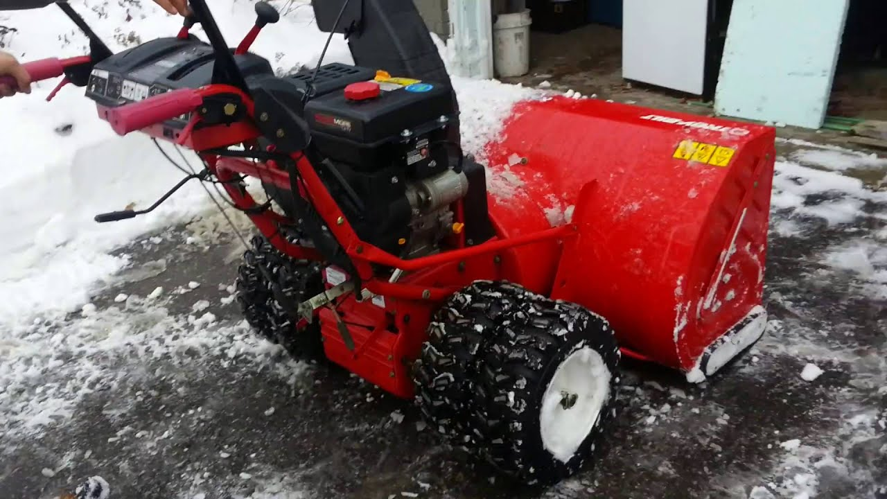 The BIGGEST snow blower in Canada! Troy Bilt 45