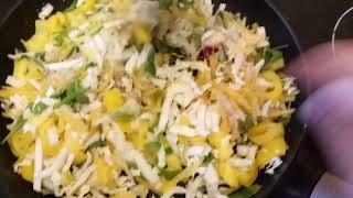 Теплый салат, который хочется есть зимой