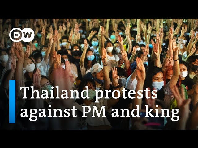 Thailand students protest government and monarchy | DW News