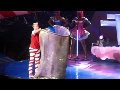 Katy Perry -California Dreams Tour-