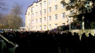 Жители Хасавюрта блокировали роддом